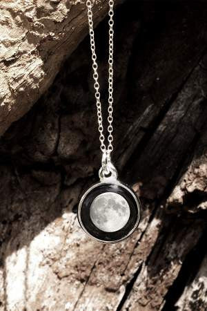 Moonglow Charmed Simplicity Necklace-Moonglow-The Bugs Ear