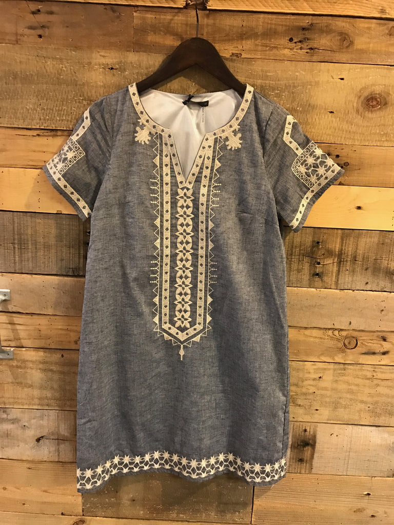 Presley Embroidered Short Sleeve Tunic-THML-The Bugs Ear