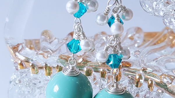 Teal and white Pearl Cluster Earrings - a style everyday - handmade earrings