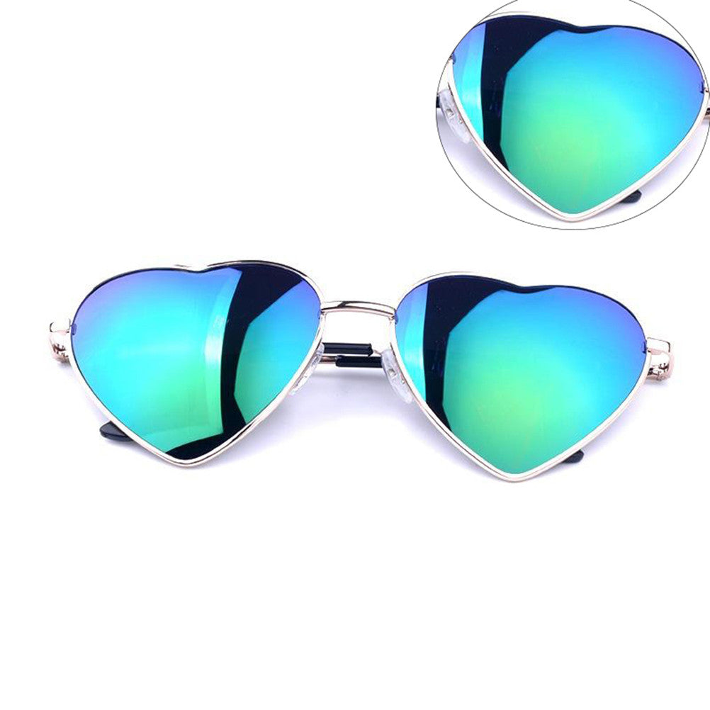 Women Retro Heart Frame Sunglasses