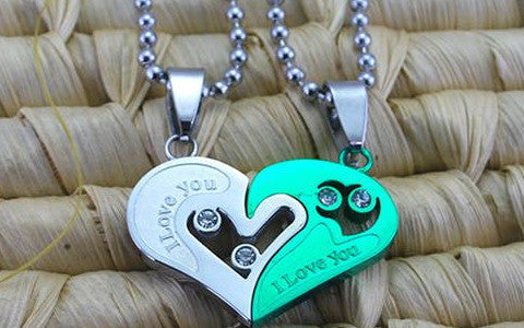 Share order - His and hers lover couple heart shaped pandant necklace