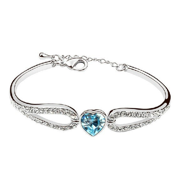 Exquisite Crystalline Sweet Heart Women's Bracelet
