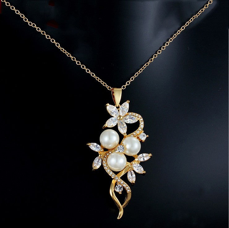 18K Gold Floral Women's Pendant Necklace