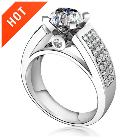 Gorgeous 925 Sterling Silver Engagement / Wedding Ring