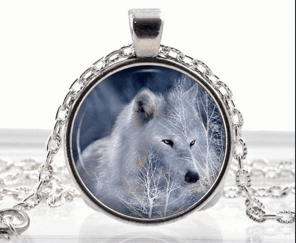 polar-white-wolf-necklace--arctic-wolf-pendant---fantasy-animal-jewelry-gifts-54b9d417dacf6f0950a00ae8