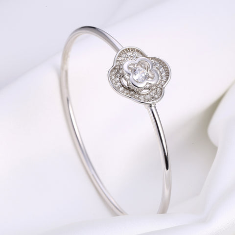 Sterling Silver Clover Diamond Inlaid Dancing Diamond Bangle