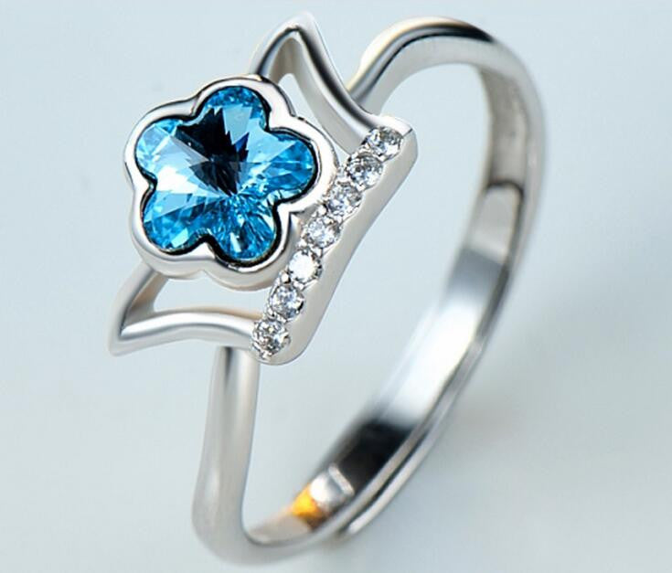 Flower Ring in Sterling Silver