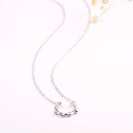 Minimalist Sun Shaped Silver Necklace