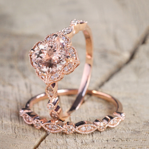 Flower-shaped Rose Gold Diamond Engagement Ring Set