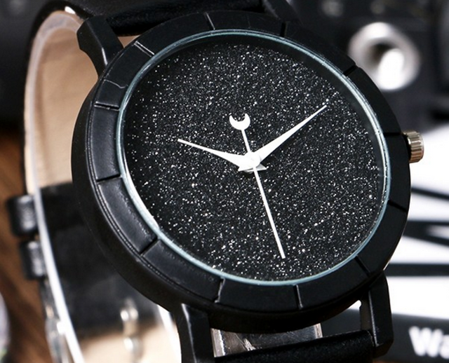 Women Luxury V6 Black & White Dress Casual Sport Watches!