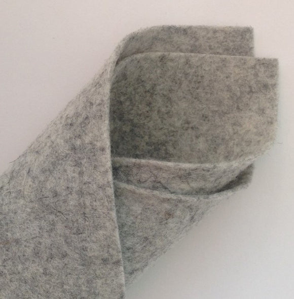100 % Wool Felt - V640 Light Grey Fleck BioFelt