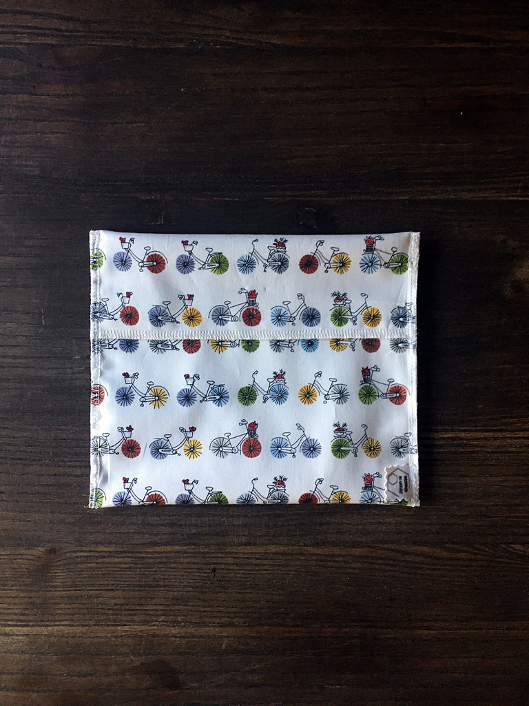 Washable Snack Pocket, Reusable. For moist snacks