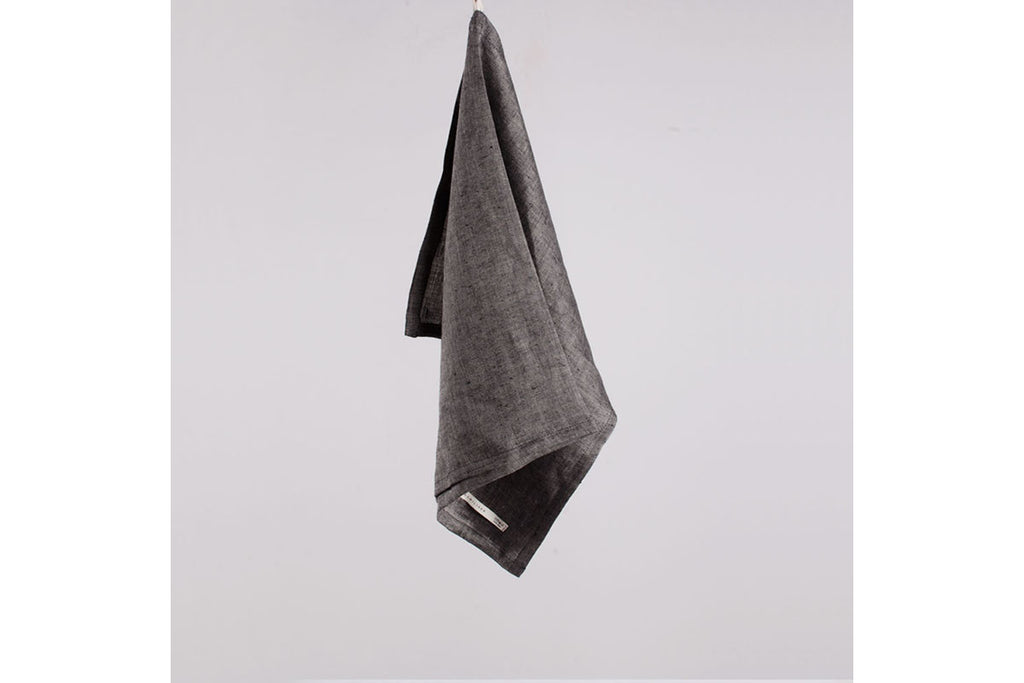 Kamilinen Tea Towel, Coal | Kitchen Linen & Textiles | Bibliotek Design Store