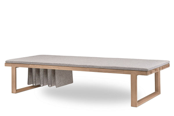 Skagerak Pulse Daybed Oak | Lounge Chairs & Furniture | Bibliotek