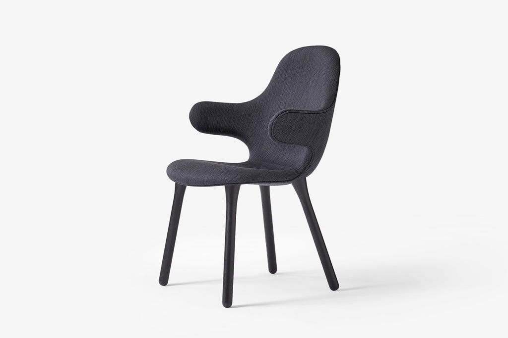 &Tradition Catch Chair JH1 Black Frame | Designer Chairs & Furniture | Bibliotek