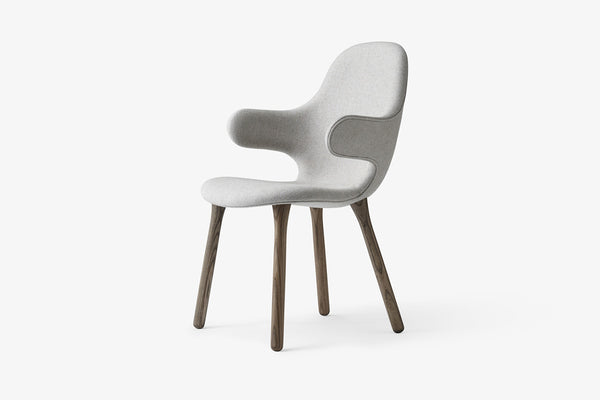 &Tradition Catch Chair JH1 Light Grey, Smoked Oak Frame | Designer Chairs & Furniture | Bibliotek