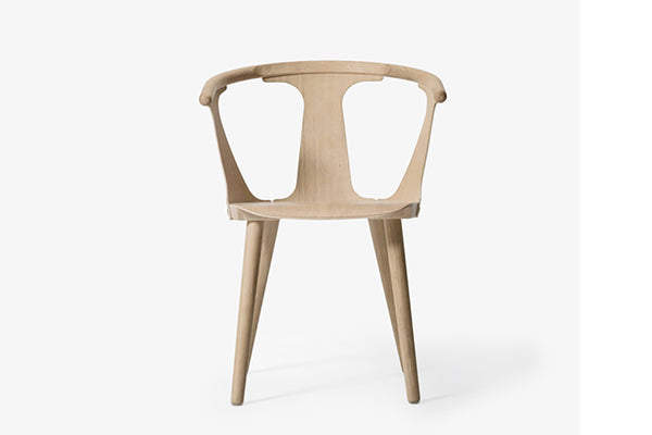 &Tradition In Between Chair SK1 White Oiled Oak | Designer Chairs & Furniture | Bibliotek