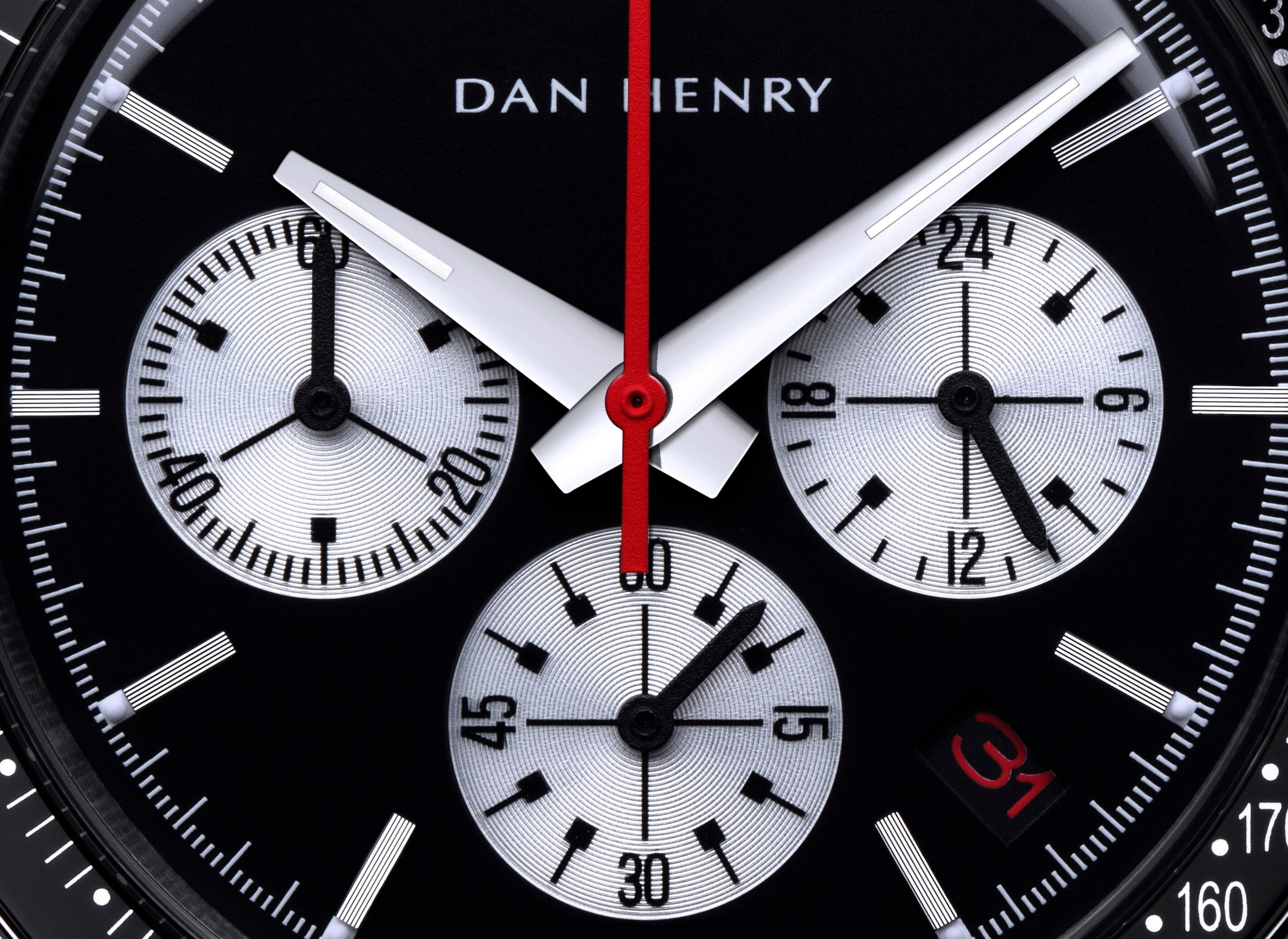 <h3>Dial</h3><p>Matte black evil panda with date and silver sub dials, silver index and red chrono central hand. Dauphine hands made to the best legibility</p>