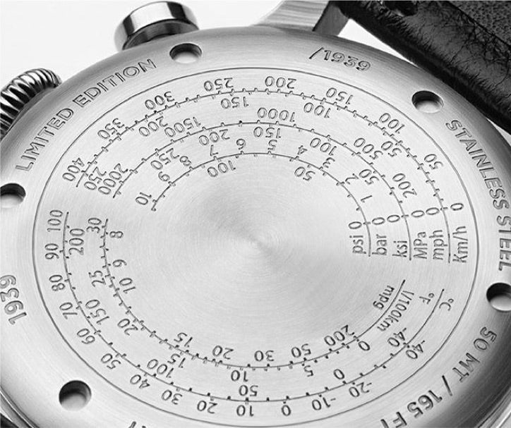 <h3>Caseback</h3> <p>Screw-back with Temperature, Fuel Consumption, Pressure and Speed conversions tables</p>