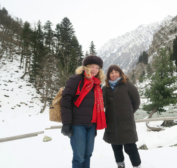 Amy & Bee in Srinagar