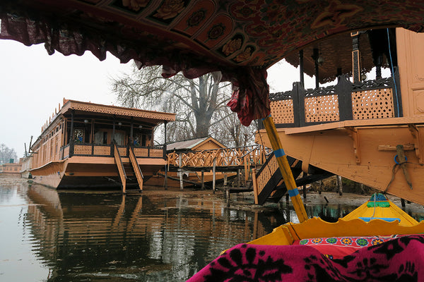 house boat accomodation in kashmir