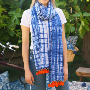 Indian Indigo Tie Dye Cotton Tassel Scarf/Cloth 'Crosshatch, Red Tassels'