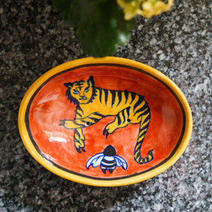 Jaipur Hand Painted Indian Soap Dish 'Tiger & Bumble Bee'
