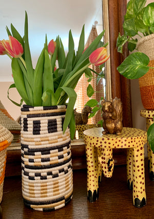 Wooden Hand Carved Cheetah Stool/Pot Stand 'Medium'