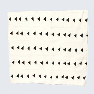 West African Bògòlanfini Mud Cloth 'Black Triangles on White'