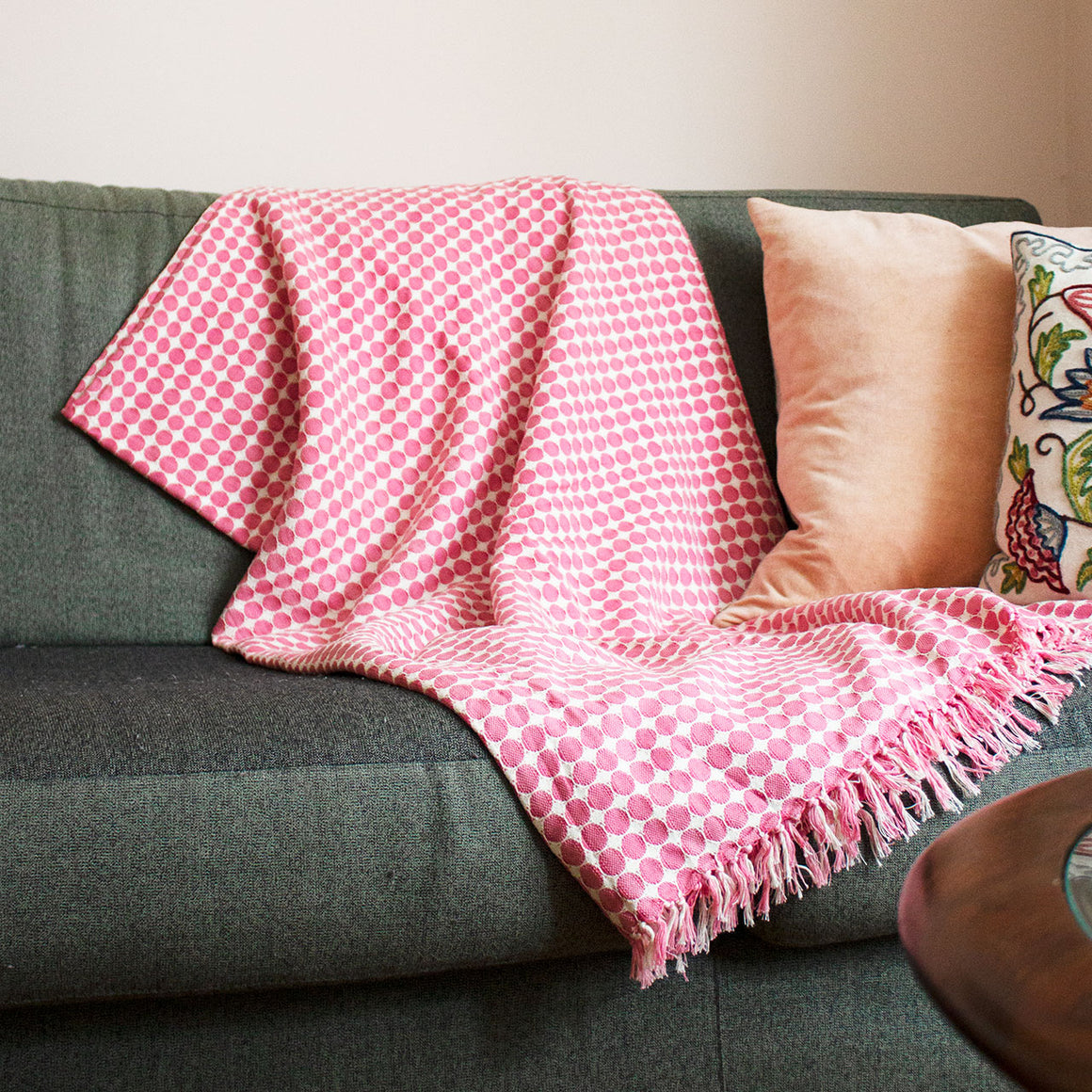 Tanzanian Hand Woven Throw 'Pink'