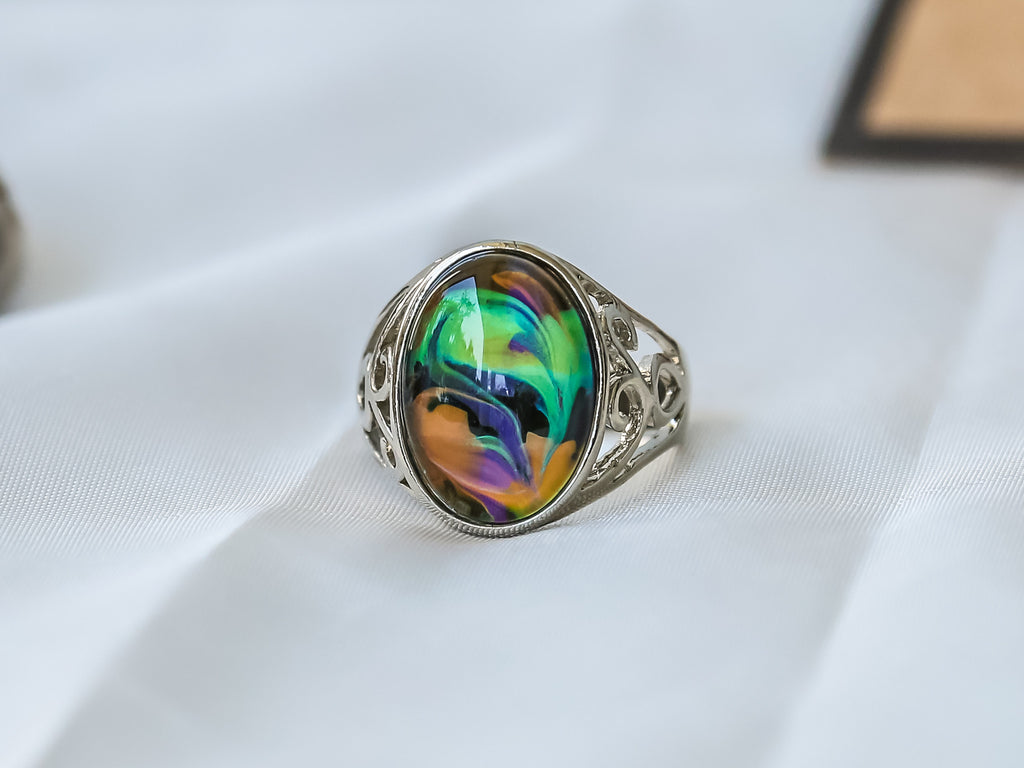 Limited Edition Opalescent Oval Stone Mood Ring + Canvas Gift Bag - Mitpaw