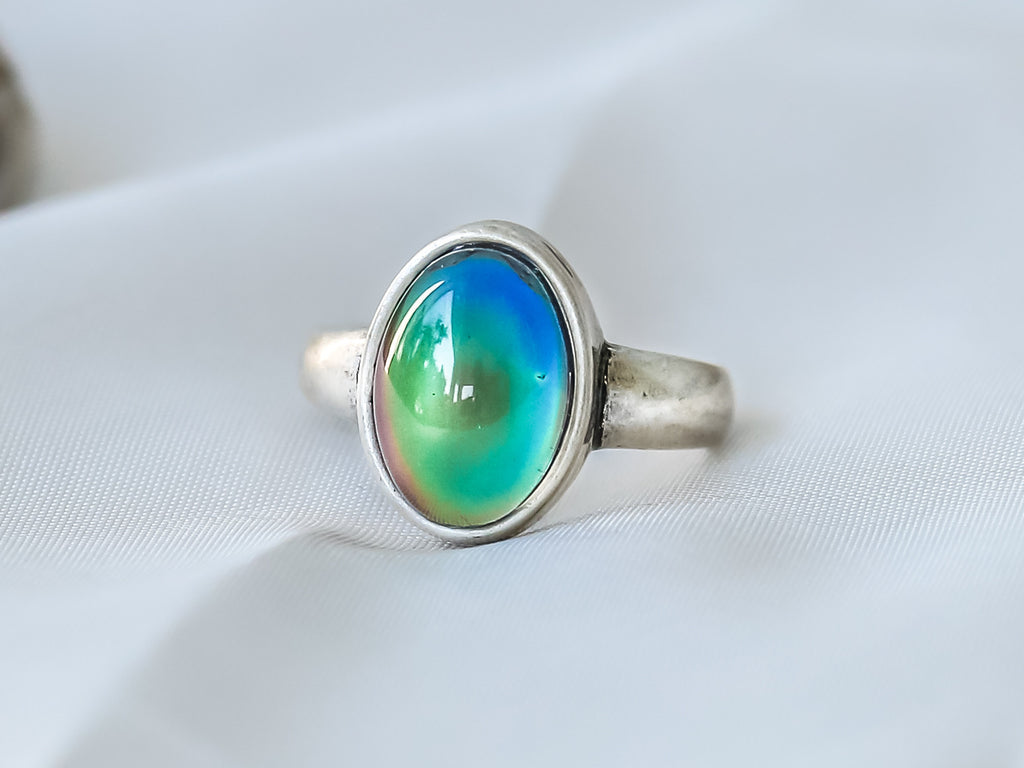 Bohemian Oval Shaped Mood Ring - Mitpaw