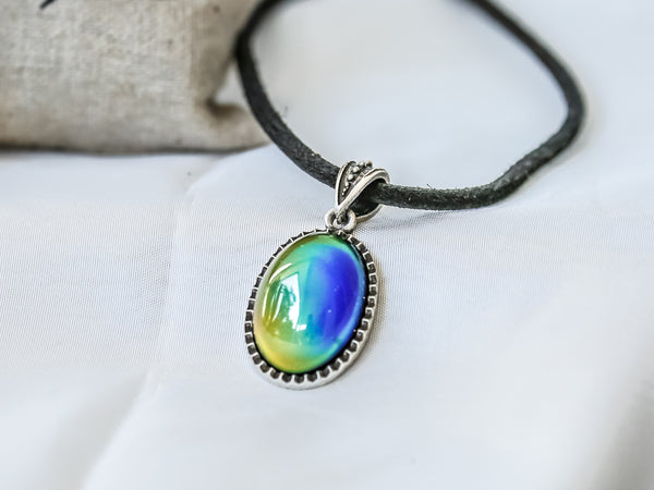 Bohemian Silver Oval Shaped Mood Pendant Necklace