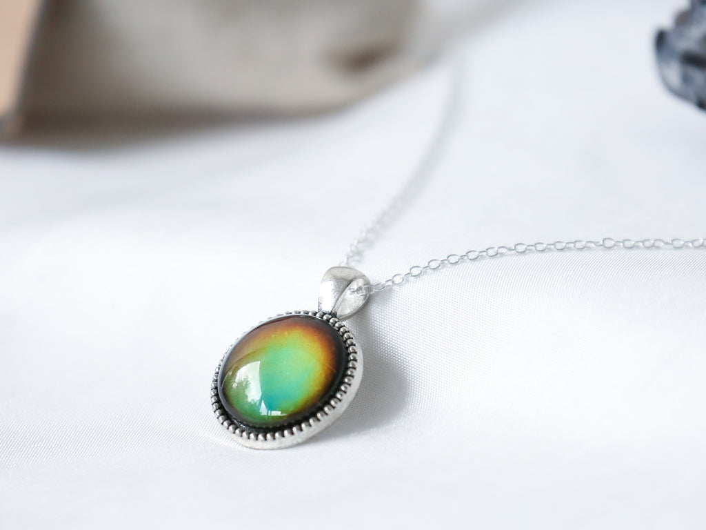 Vintage Compass Circle Colour Changing Necklace with 925 Silver Chain
