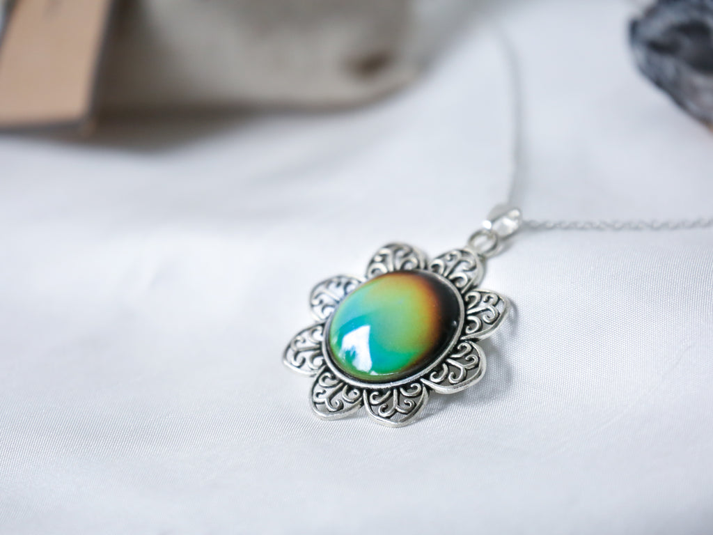 Vintage Sunflower Colour Changing Necklace with 925 Silver Chain - Mitpaw