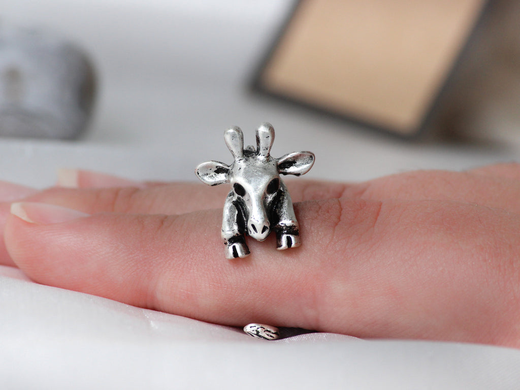 Adjustable Antique Silver Giraffe Ring + Free Gift Bag