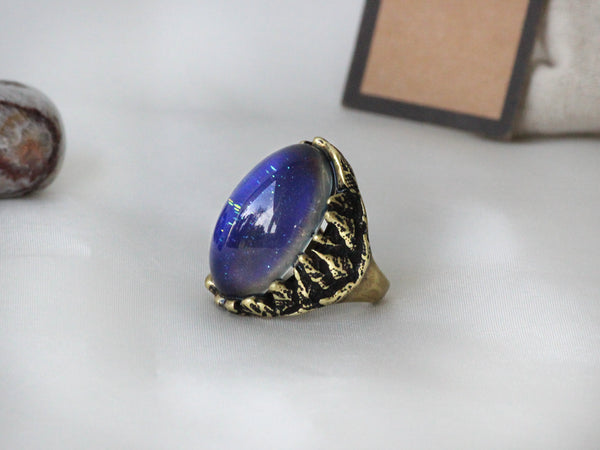 Antique Gold Plating Captured Oval Stone Mood Ring
