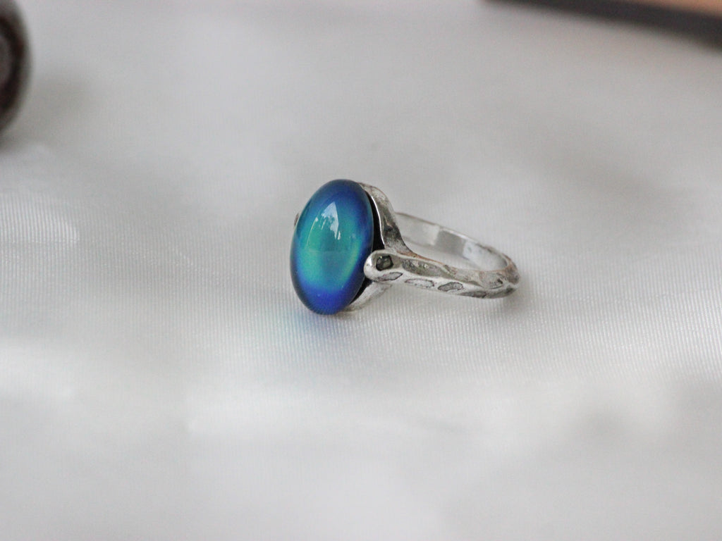 Antique Silver Plating Borderless Oval Stone Mood Ring