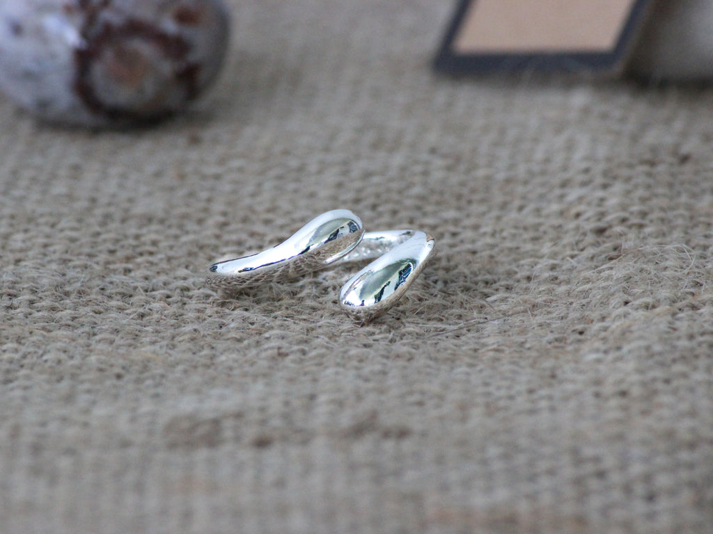 925 Sterling Silver Water Drop Inspired Ring