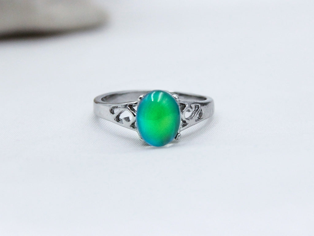 Petite Borderless Oval Decorative Mood Ring