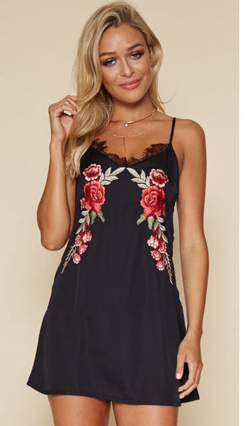 Floral Embroidery Spaghetti Staps Dress
