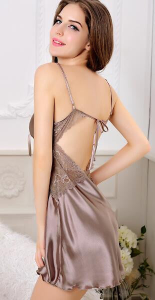 Romoti Wonderful Moment Hollow V Neck Nightgown