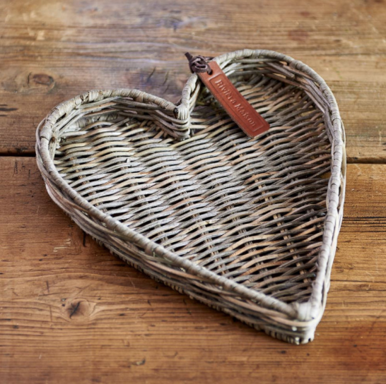 Rustic Rattan Mini Heart Tray
