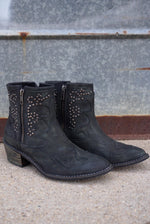 THE WESTERNER STUD BOOT