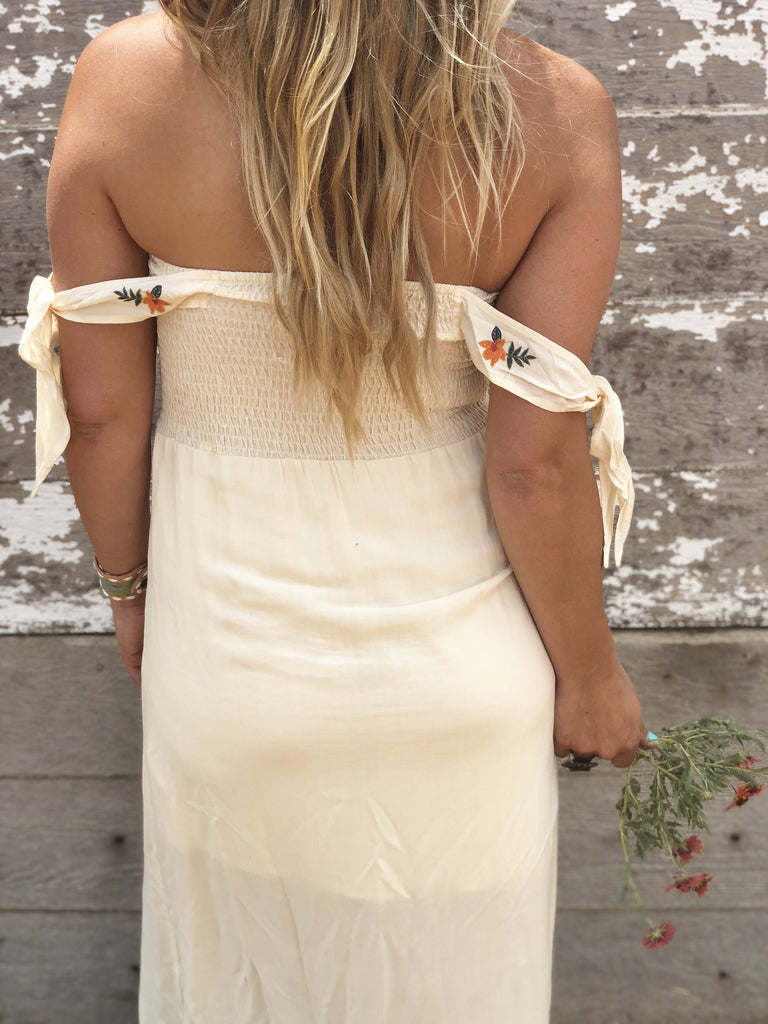 Hoyt Axton Embroidered Maxi