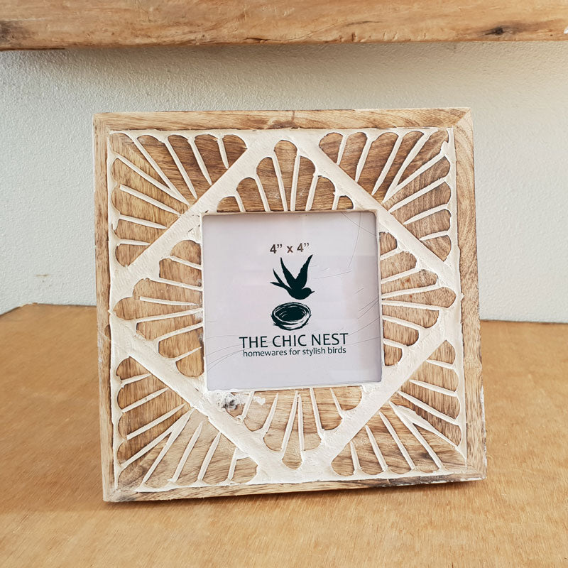 Çarved Wooden Photo Frame 4 x 4 - The Chic Nest