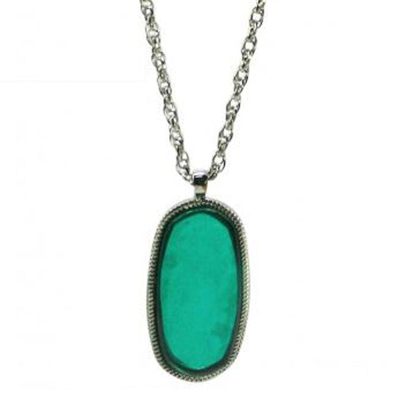Green Pendant Necklace - The Chic Nest