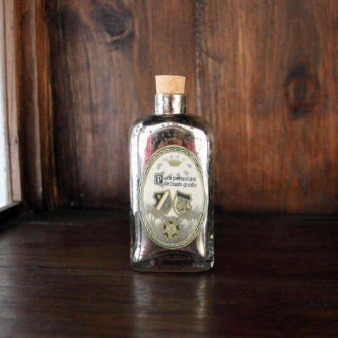 Para Personas Vintage Style Bottle - The Chic Nest