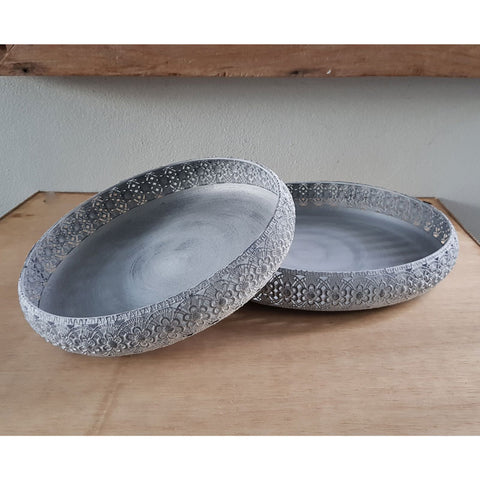 Set of 2 White Metal Lace Trays