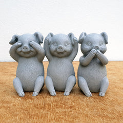 Three Wise Pigs - Grey